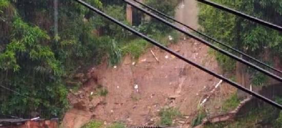 Chuvas deixam mais de 600 desalojados em Rio Bonito, no RJ