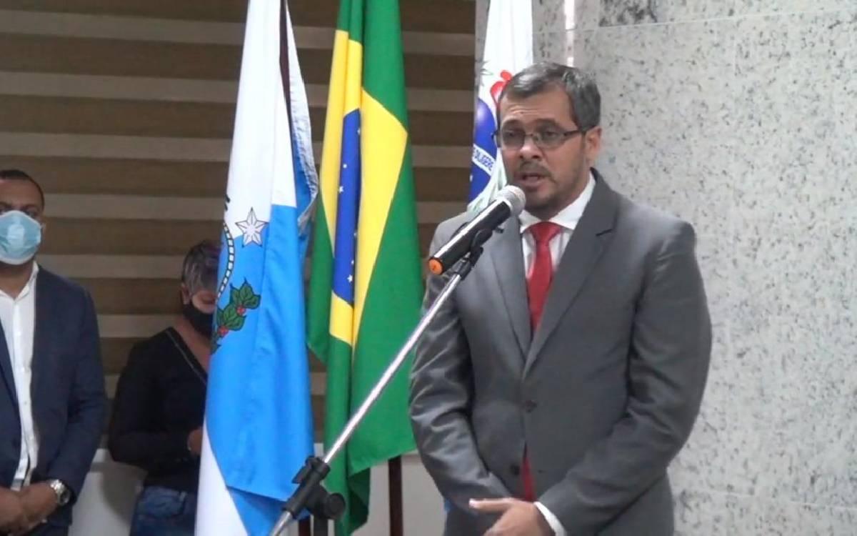 Leandro Peixe é empossado prefeito de Rio Bonito