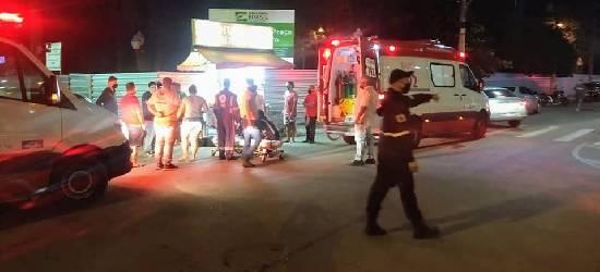 Motociclista fica ferido após atingir carro no Centro de Silva Jardim