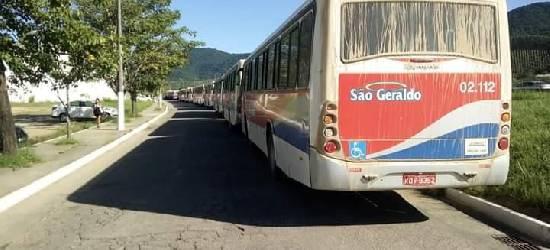 Motoristas de empresa de ônibus fazem paralisação em Rio Bonito