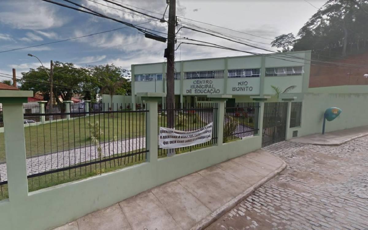 Pais de alunos reclamam da falta de kits de merenda em Rio Bonito