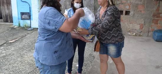 Prefeitura de Tanguá distribui cestas básicas para famílias carentes