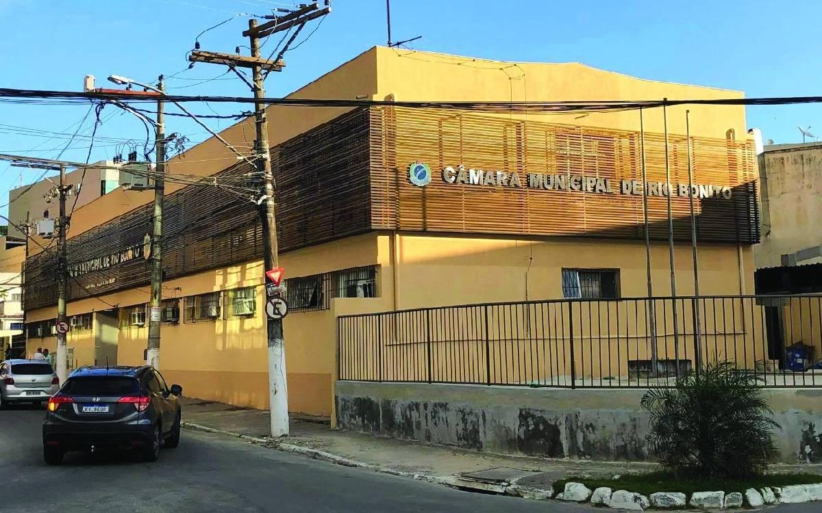Rio Bonito reelege cinco dos 11 vereadores da Câmara; veja lista