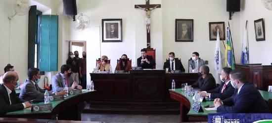 Vereadores de Silva Jardim negam pedido de cassação do presidente da Câmara